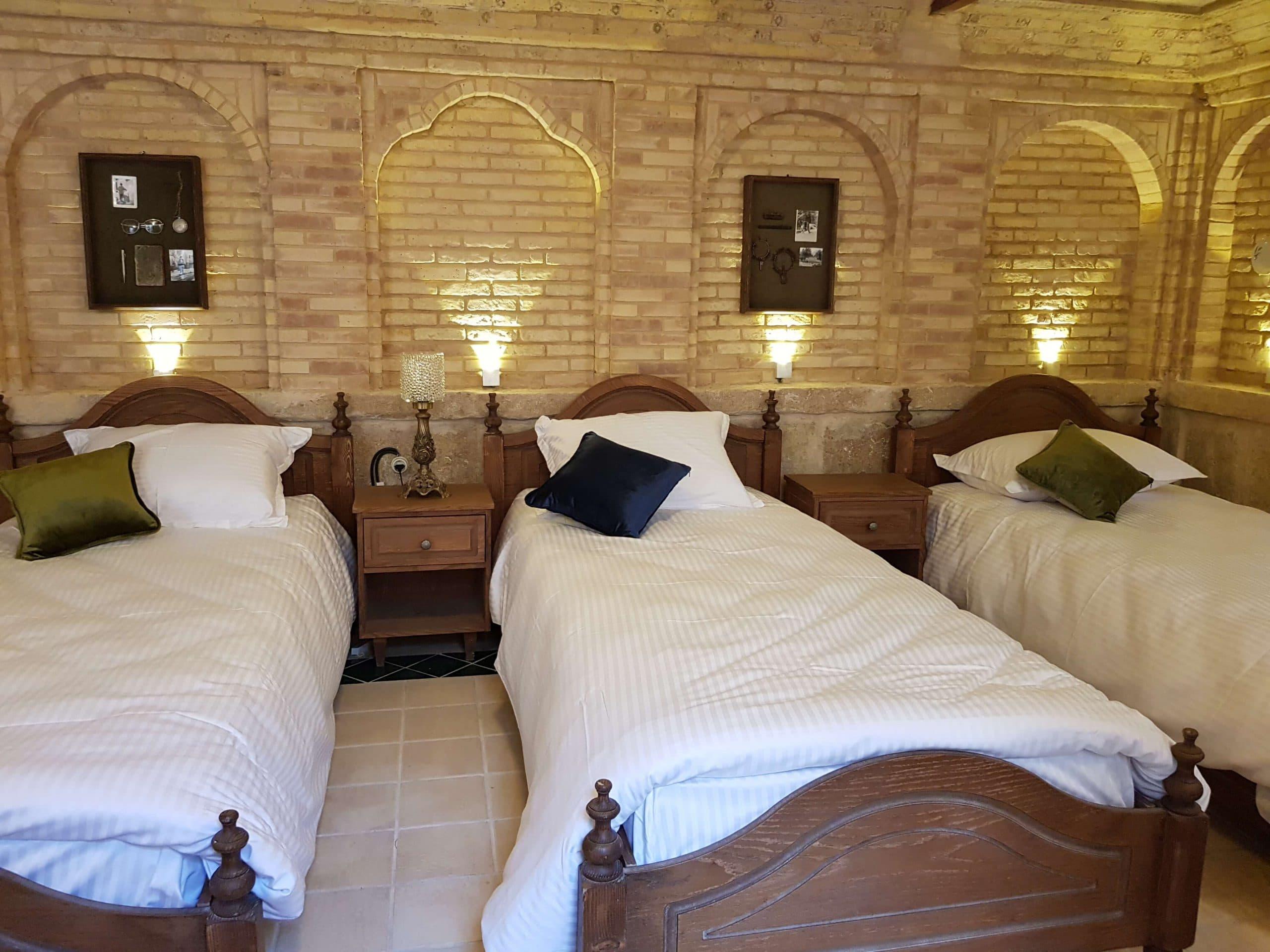 اتاق ملک تاج هتل بوتیک راوی